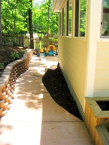 Path behind sunroom after.